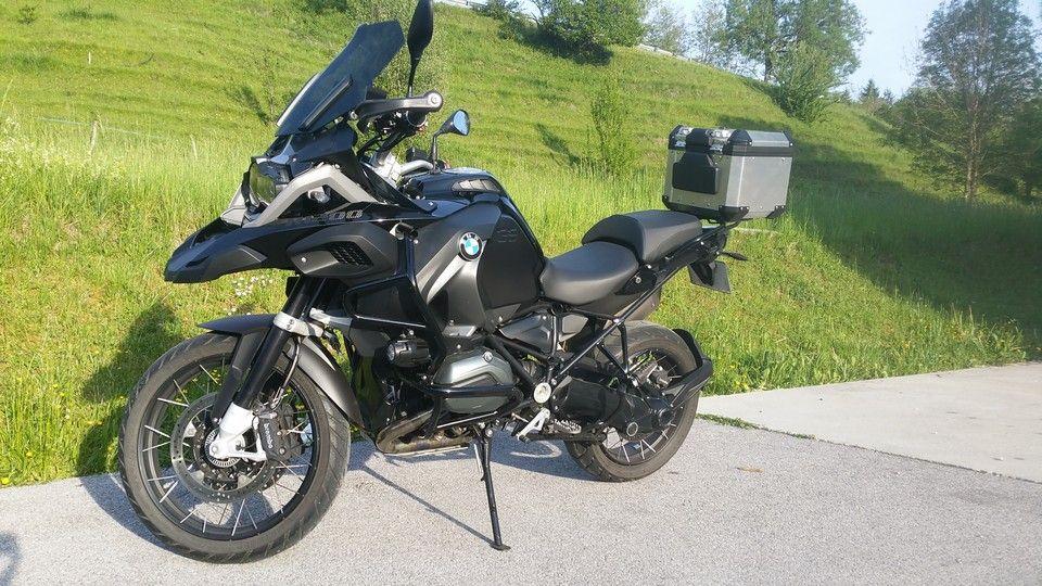 moto BMW 1200 GS vue gauche