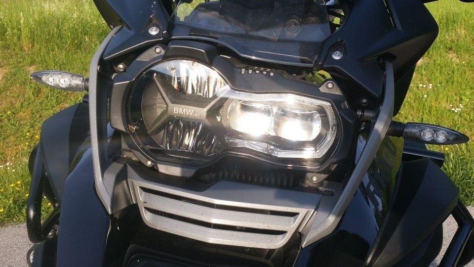 moto BMW 1200 GS phares avant