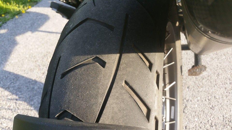 moto BMW 1200 GS usure pneu arrière