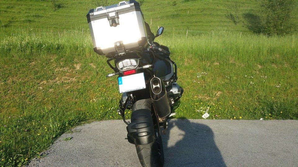 moto BMW 1200 GS vue arrière