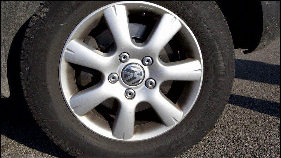 Volkswagen Touareg pneu et jante avant gauche