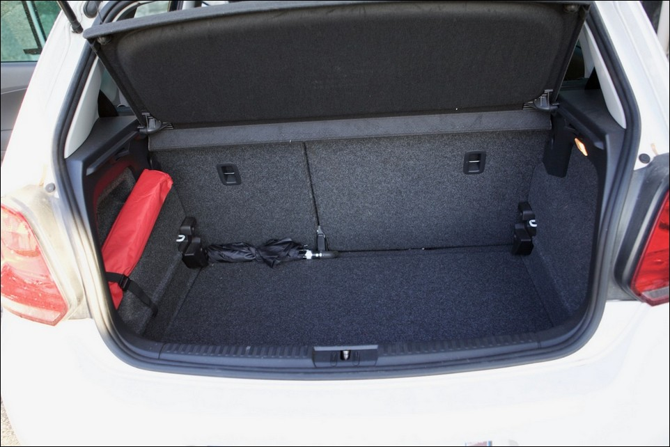 Volkswagen Polo intérieur du coffre
