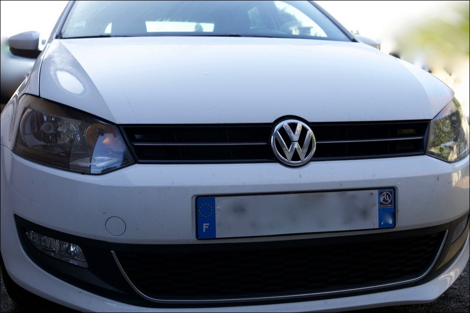 Volkswagen Polo calendre avant