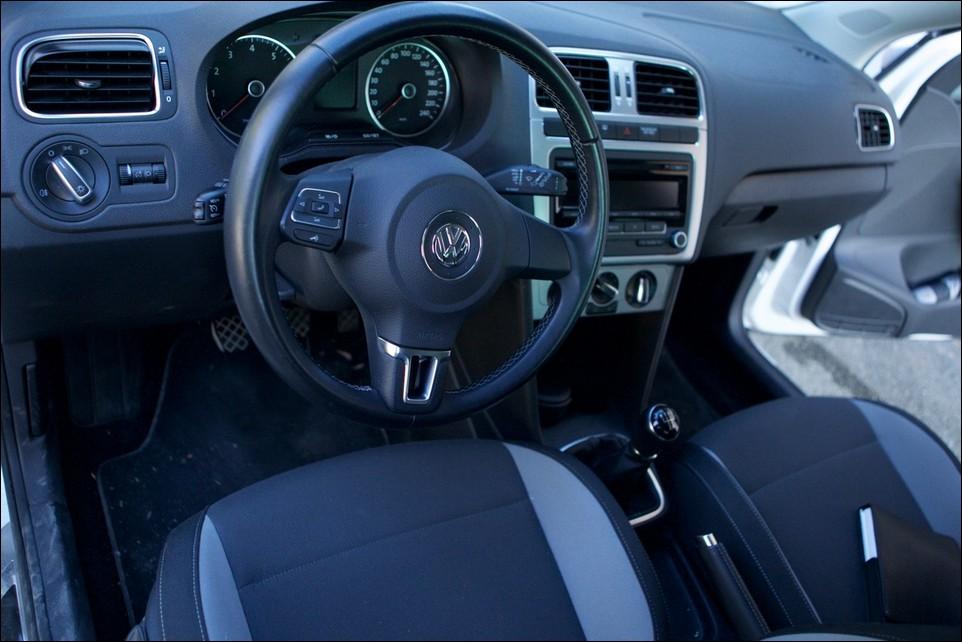 Volkswagen Polo sièges avant